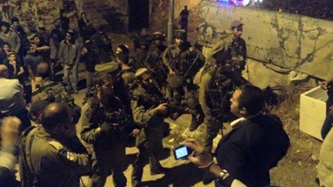 مستوطنون يهاجمون المنازل في تل ارميدة وشارع الشهداء