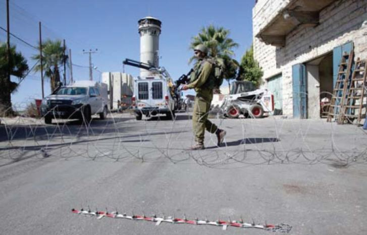 اعتقال شاب واصابة عشرات الطالبات بالاختناق في بلدة عناتا شرق القدس