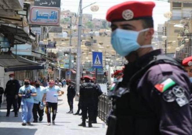 """15وفاة و 1520 إصابة بـ""""كورونا"""" في الأردن"""