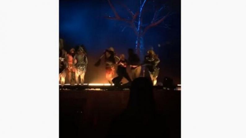 فيديو | شخص يطعن مشاركين في مسرحية بالرياض