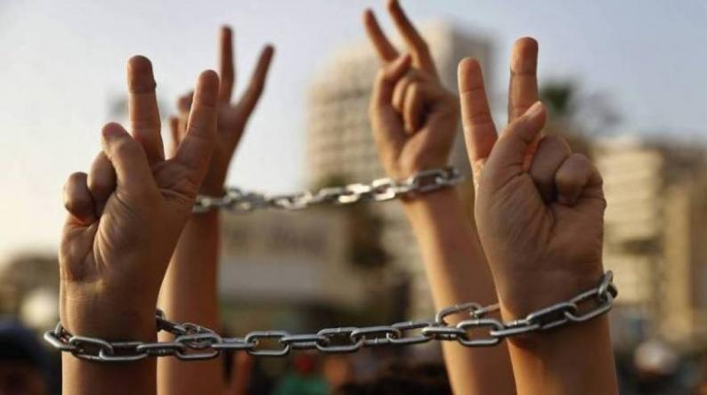 5 أسرى في سجون الاحتلال يواصلون إضرابهم المفتوح عن الطعام