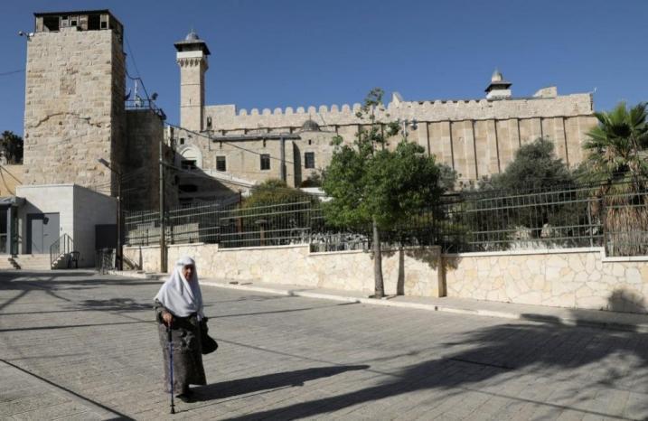 الاحتلال منع رفع الأذان 250 مرة في الحرم الإبراهيمي بالخليل