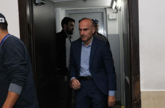 """استقالة نقيب المحامين الإسرائيليين بعد شبهة """"رشوة جنسية"""""""