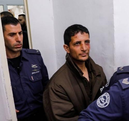 بدت عليه علامات التعذيب.. الاحتلال يمدد اعتقال ياسر ارفاعية