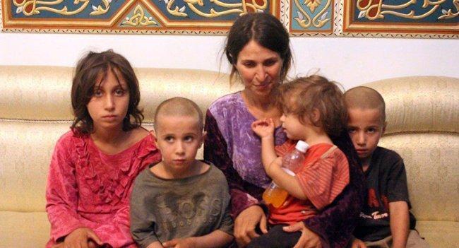 """بعملية نوعية.. الجيش السوري يحرر نساء وأطفال السويداء المختطفين عند """"داعش"""""""
