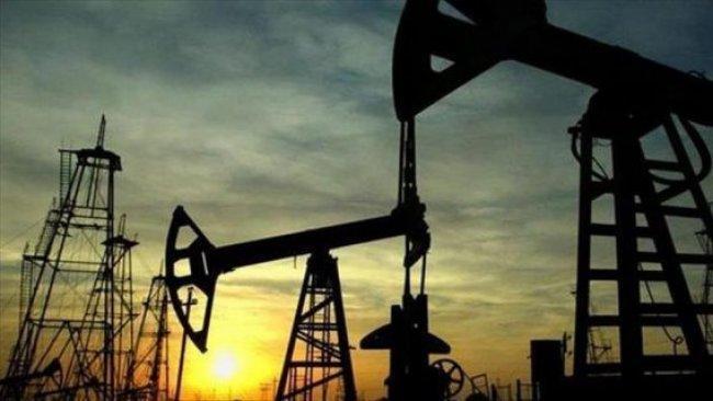 أسعار النفط تعاود الصعود قليلا بعد استعداد روسيا لخفض الإنتاج