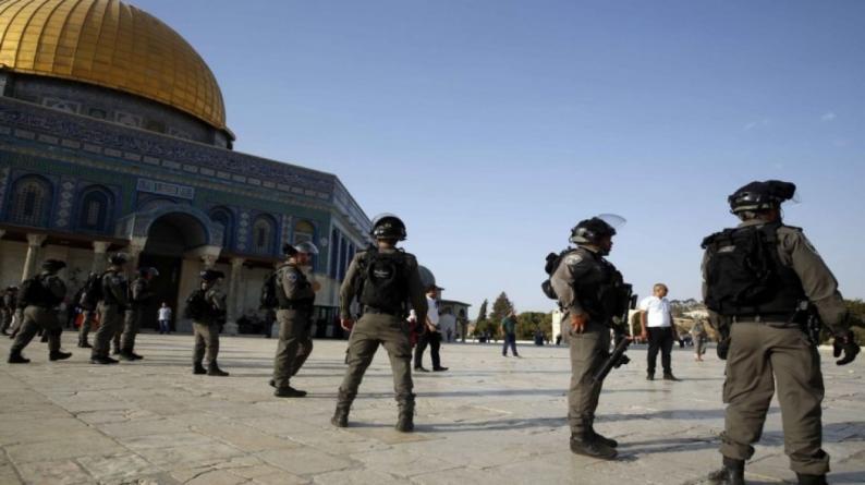 """""""مجلس الأوقاف"""" يحذر من مغبة استفزازات مقتحمي الأقصى تحت بصر ورؤية شرطة الاحتلال"""
