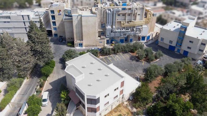 شركة بيت جالا لصناعة الادوية خالية من كورونا بعد اجراء الفحوص للموظفين والعاملين