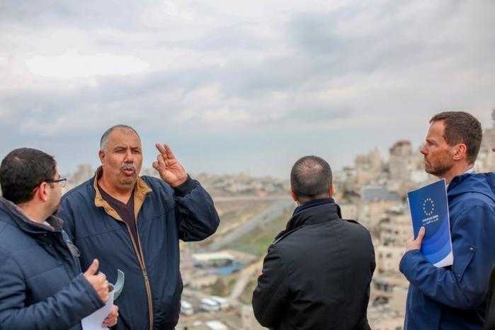 الاتحاد الأوروبي يعرب عن قلقه إزاء اعتداءات الاحتلال في العيسوية