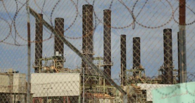 كهرباء غزة تعلن زيادة ساعات الفصل بعد توقف المحطة بالامس