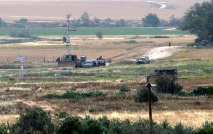 نيران الاحتلال تستهدف الأراضي والمزارعين شرق غزة وخان يونس