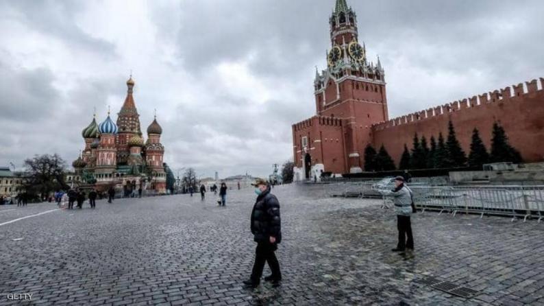 روسيا: 6736 إصابة و134 وفاة جديدة بكورونا