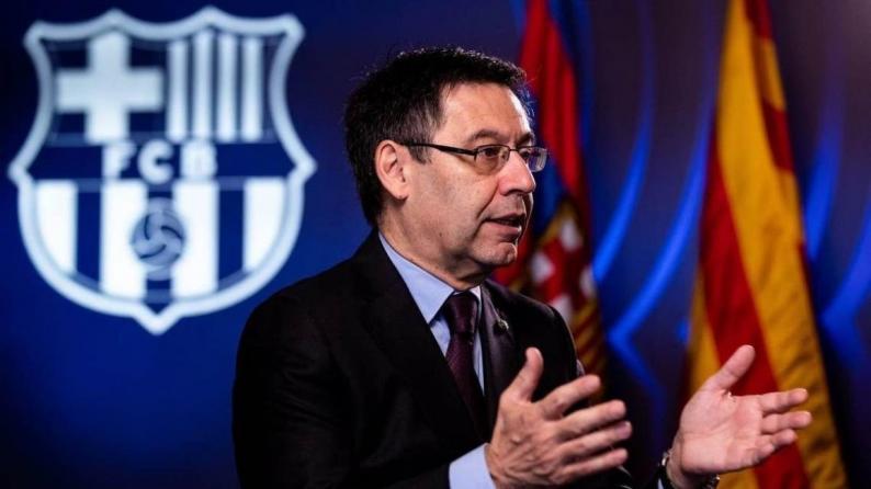 رئيس نادي برشلونة بارتوميو يستقيل من منصبه