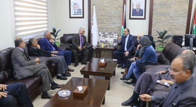 بلدية الخليل لـوطن: مؤتمر دولي قريب لتطوير أداء البلديات الفلسطينية