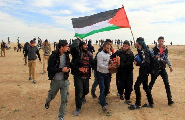 """""""الميزان"""" يطالب مدعي الجنائية الدولية بالتحقيق بقتل متظاهري غزة"""