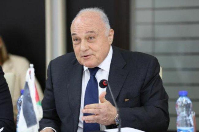 """""""المرصد"""": وزير المالية يطلق النار على إيرادات الحكومة"""