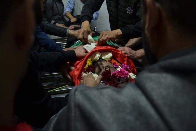 تشيّع جثمان الشهيد عليان في مخيم قلنديا