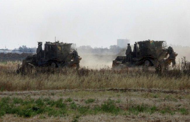 تدريبات جيش الاحتلال العسكرية تجبر فلسطينيين على اخلاء منازلهم في الأغوار