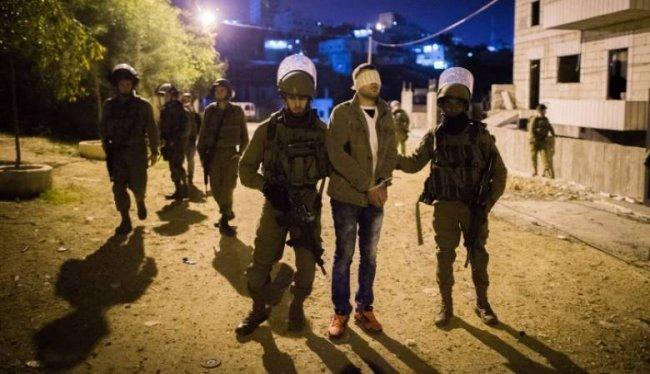 الاحتلال يعتقل30 شاباً من الضفة