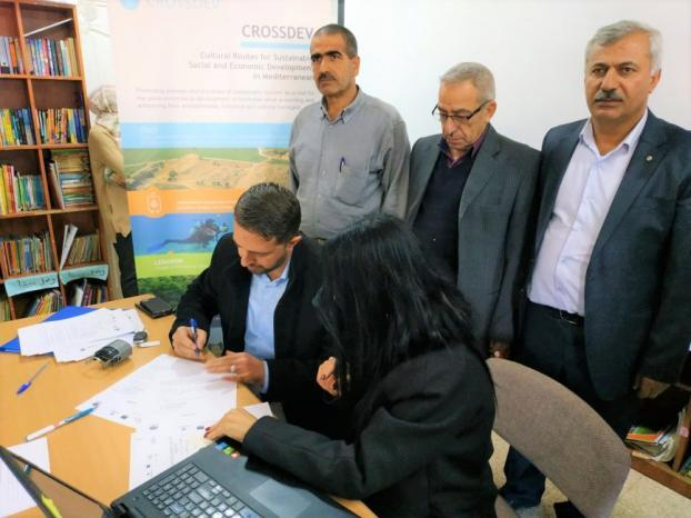 """اتحاد مسار """"إبراهيم الخليل"""" يوقّع 15 اتفاقية تفاهم مع الهيئات المحلية للتعريف بأهمية السياحة المجتمعية"""