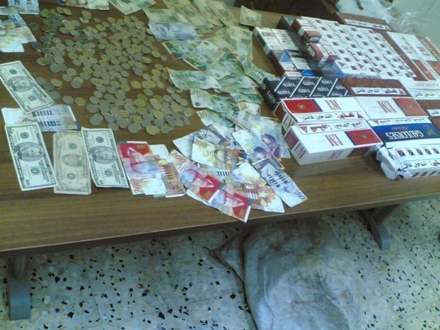 نابلس: عامل يسرق بضاعة من محل يعمل فيه بقيمة 100 الف شيكل