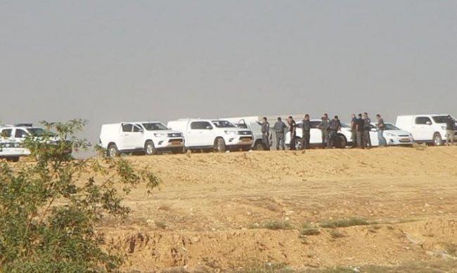 شرطة الاحتلال آليات الهدم تتمركز قرب رهط بالنقب