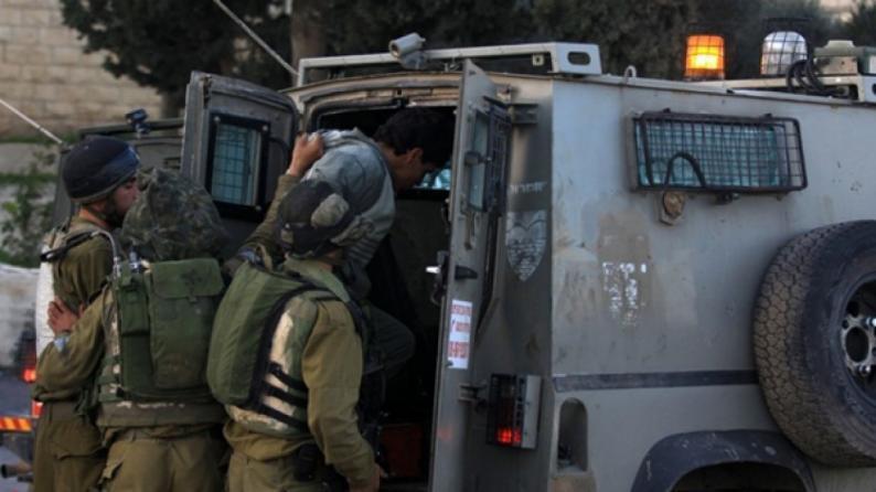اعتقال شابين من بلدة عزون شرق قلقيلية