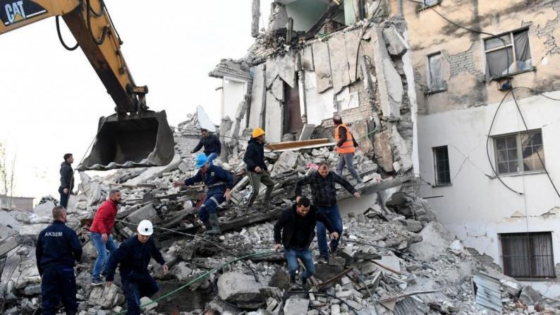 ارتفاع عدد قتلى زلزال ألبانيا إلى 25