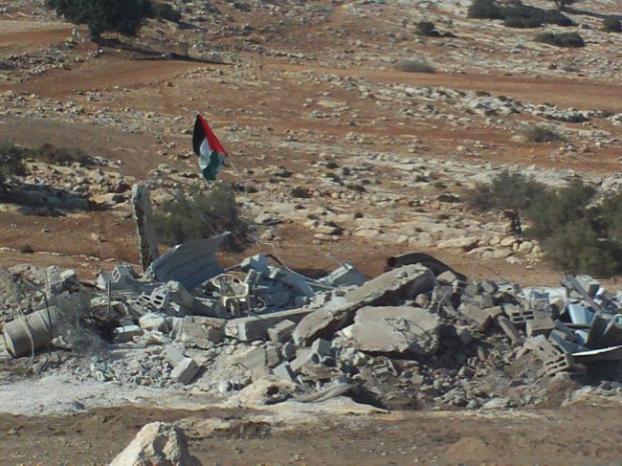 الاحتلال يفرض طوقاً عسكرياً على خربة الحديدية في طوباس