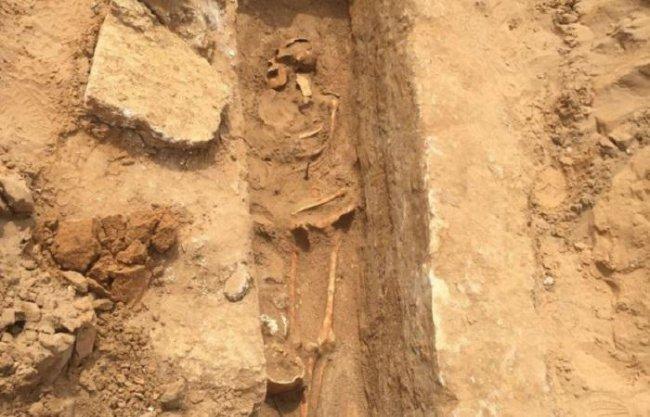 الاحتلال ينبش مقبرة إسلامية في يافا للبناء فوقها