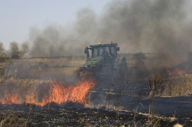 الحرائق تشتعل في مستوطنات الغلاف