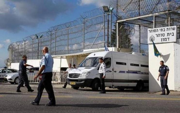 """الأسرى الأطفال: """"من اليوم الأول لوصولنا لسجن الدامون ونحن ممنوعون من الخروج إلى الفورة، إلا إذا أخرجنا أحدهم لضربنا"""""""