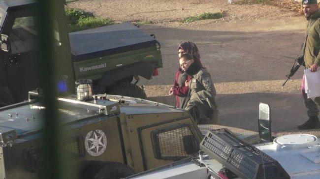 الاحتلال يُمدد اعتقال الأسيرة الجريحة فاطمة الدراويش ويمنعها من لقاء المحامي