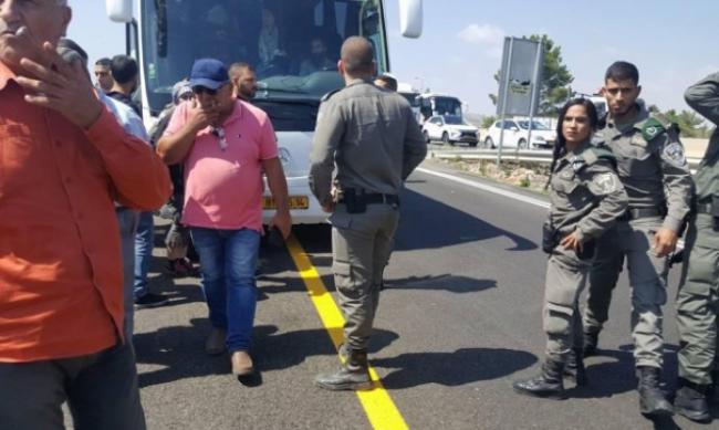 شرطة الاحتلال تمنع وصول حافلات من الداخل للقدس