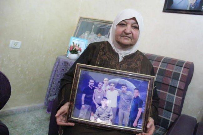 """رسالة حب واعتراف من كتاب عرب إلى أم ناصر أبو حميد: """"أنتِ رمز لا ينسى من رموز المقاومة والصمود"""""""