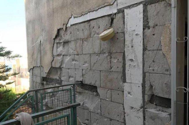 صور | إخلاء منازل متضررة من الهزات الأرضية المتتالية في طبريا