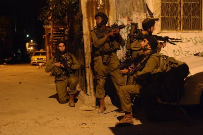 الاحتلال يعتقل 11 مواطناً من الضفة