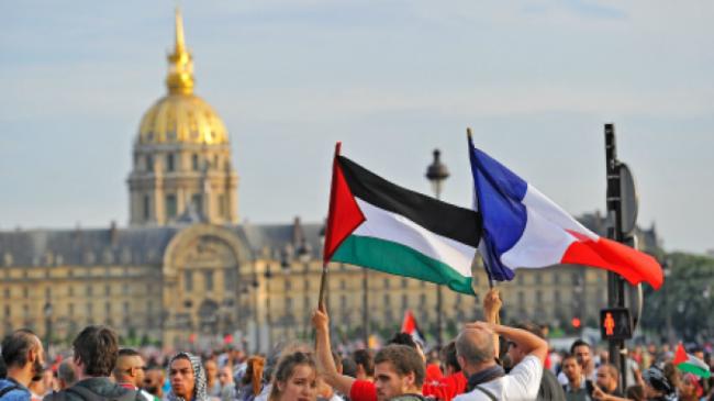 الاحتلال يمنع رئيس بلدية جونفيلييه الفرنسية من دخول فلسطين