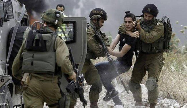 الاحتلال يعتقل مواطنا من عزون في قلقيلية