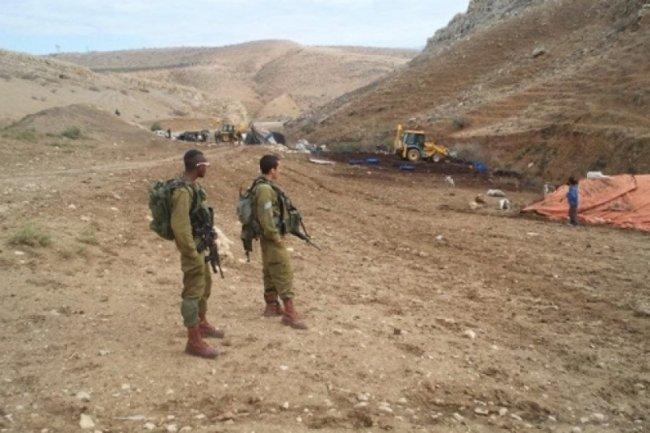 الاغوار: الاحتلال يقتحم الحديدية ويفتش خيام المواطن عمر بشارات