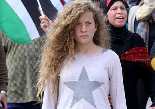 قوات الاحتلال تفرج عن الاسيرة عهد التميمي ووالدتها ناريمان