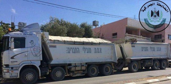 ضبط شاحنة إسرائيلية تحمل حبيبات بلاستيك عازل مضرة بالبيئة في أريحا