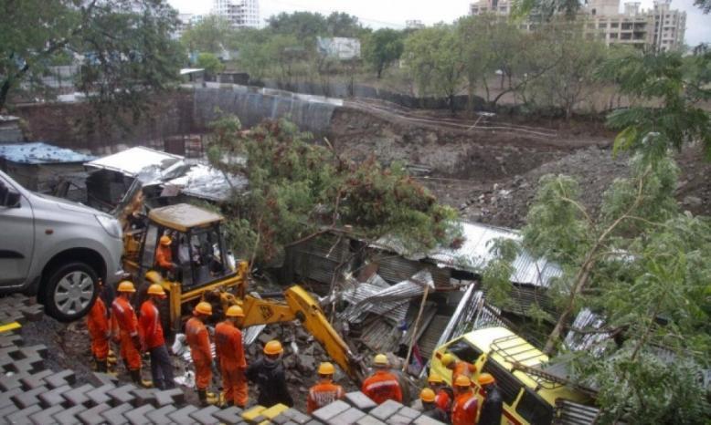 الهند: مصرع 17 شخصًا إثر انهيار جدار بسبب الامطار