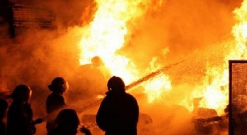 اخماد حريق في قرية حجة شرق قلقيلية