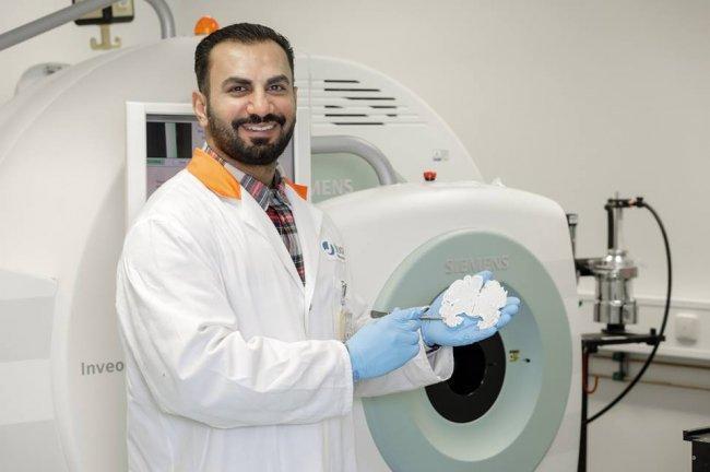 """تلالوه باحث فلسطيني بالطب النووي يهدف لتقليل الأخطاء الطبية بـــ """"الفانتوم الدماغي"""""""