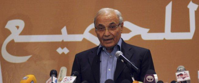 السرَّ وراء تراجع شفيق عن الترشح لانتخابات الرئاسة المصرية