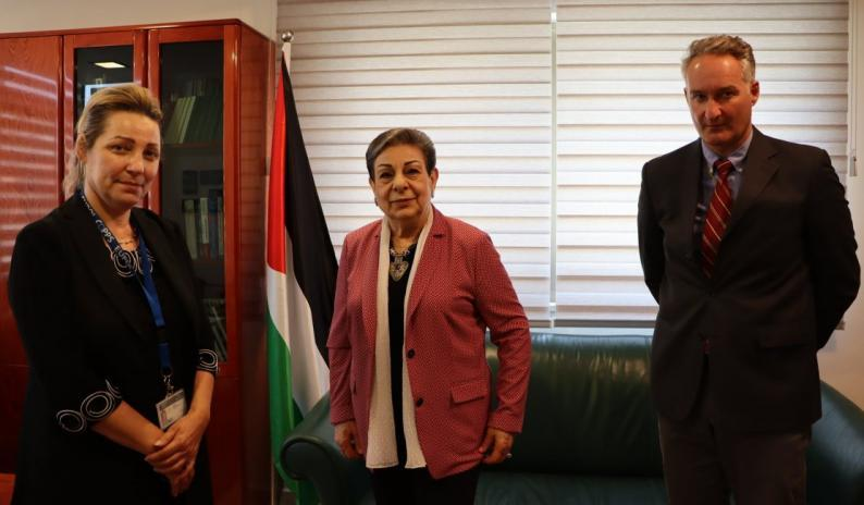 حنان عشراوي تستقبل رئيسة البعثة الأوروبية لمساندة الشرطة الفلسطينية والمستشار السياسي للبعثة