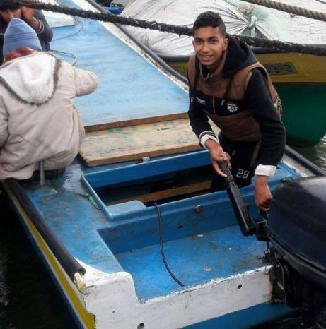 قبل استشهاده.. وطن سلطت الضوء على حياة الشهيد الصياد اسماعيل أبو ريالة