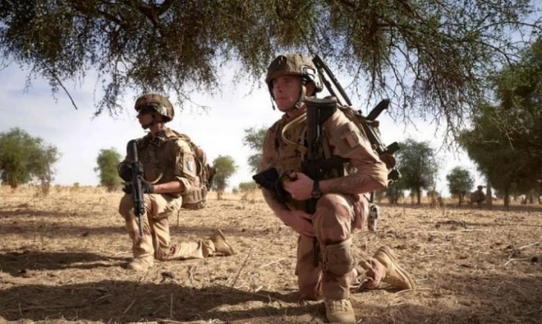 مقتل 13 جنديا فرنسيا بحادث تحطم مروحيتين في مالي