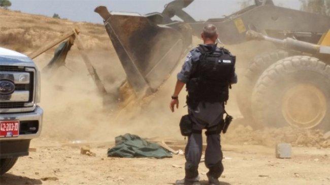 الاحتلال يقرر هدم حديقة ألعاب في قرية رحمة بالنقب